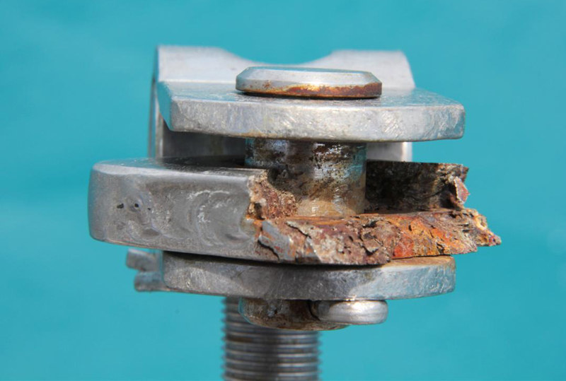 crevice-corrosion-on-chainplate-brickhouse1ll